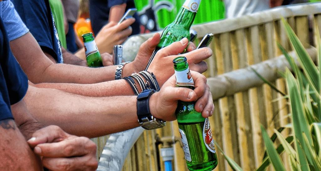 Распитие алкоголя в общественных местах