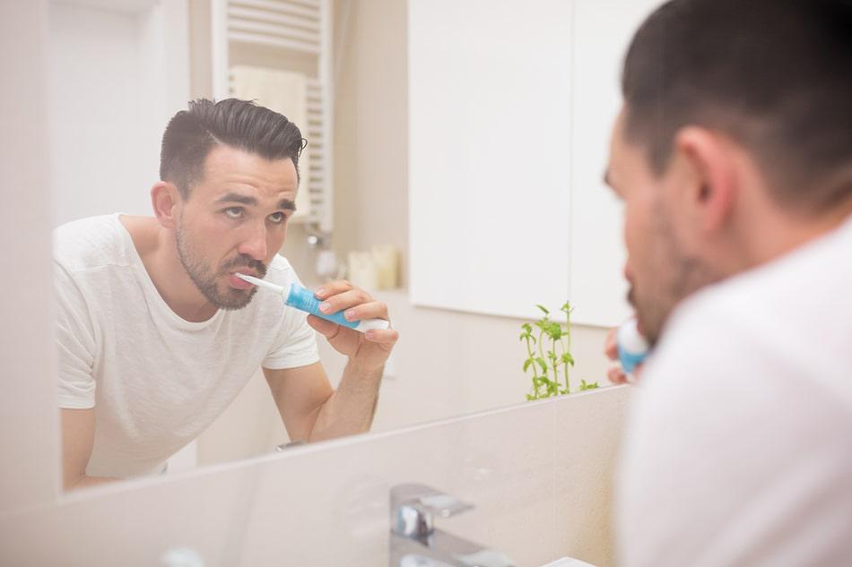 как избавиться от запаха перегара изо рта быстро в домашних условиях